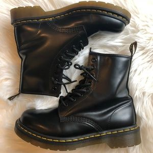 Dr. Marten 1460 Smooth Boot Size 7